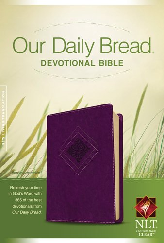9781414361987: Our Daily Bread Devotional Bible NLT