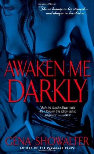 9781416517177: Awaken Me Darkly (Alien Huntress, Book 1)