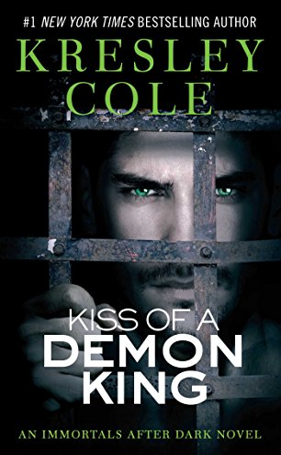 9781416580942: Kiss of a Demon King (Immortals After Dark, Book 6)