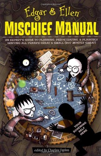 9781416939351: Edgar & Ellen Mischief Manual (Edgar and Ellen)