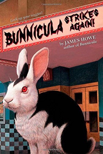 9781416939689: Bunnicula Strikes Again! (Bunnicula and Friends)