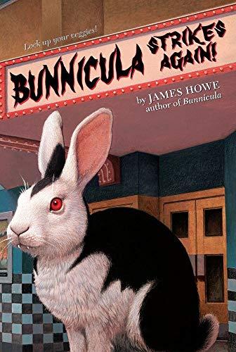 9781416939689: Bunnicula Strikes Again! (Bunnicula and Friends)