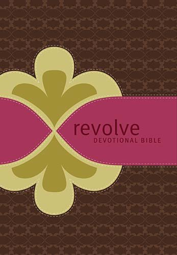 9781418543327: Revolve Devotional Bible: New Century Version, Chocolate/Raspberry, LeatherSoft, Life Stages, Teen Girls
