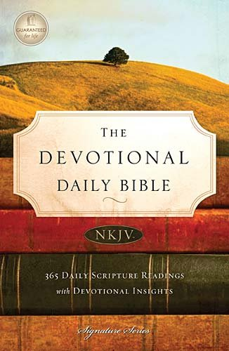 9781418549374: The Devotional Daily Bible: New King James Version (Signature)