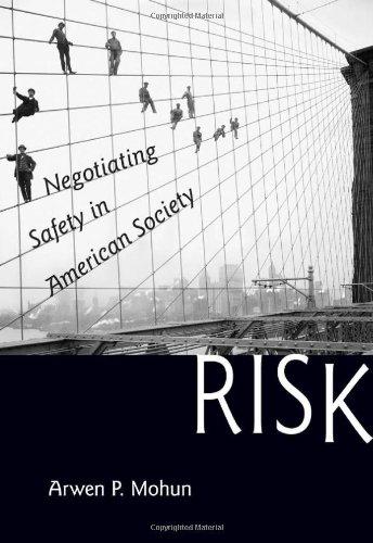 9781421407906: Risk: Negotiating Safety in American Society