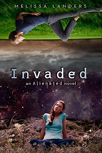 9781423169499: Invaded (An Alienated Novel)