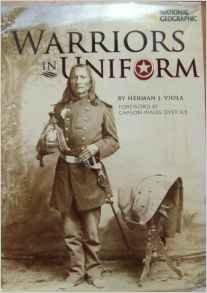 9781426201400: Warriors in Uniform