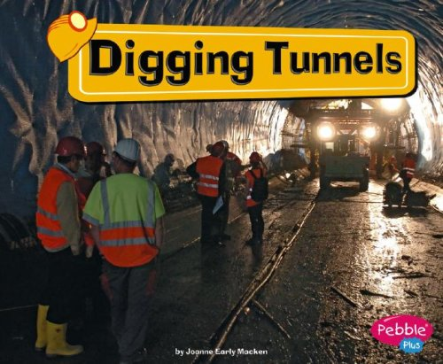 9781429612340: Digging Tunnels (Construction Zone)