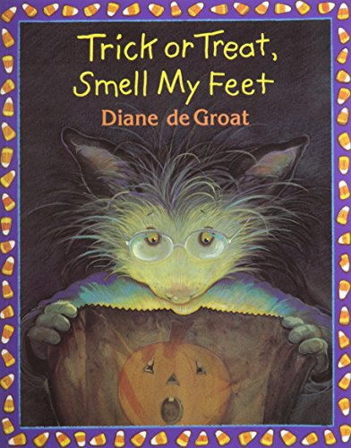 9781430104278: Trick or Treat, Smell My Feet (1 Paperback/1 CD) (Gilbert)