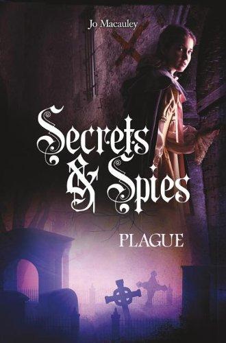 9781434279446: Treason (Secrets & Spies)