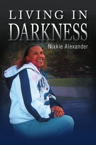 9781436329163: Living in Darkness