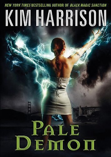 9781441776334: Pale Demon: Library Edition (Playaway Adult Fiction)