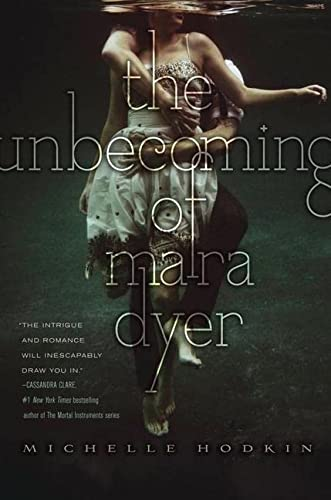 9781442421769: The Unbecoming of Mara Dyer
