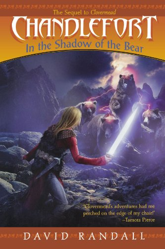 9781442427419: Chandlefort: In the Shadow of the Bear