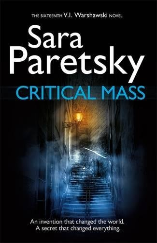 9781444758672: Critical Mass: V.I. Warshawski 16