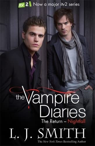 9781444901504: Nightfall: Book 5 (The Vampire Diaries)