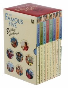 9781444919134: Famous Five 8 copy Slipcase (1-8) WHSMITH