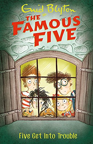 9781444935097: Famous five 8. Five get into trouble