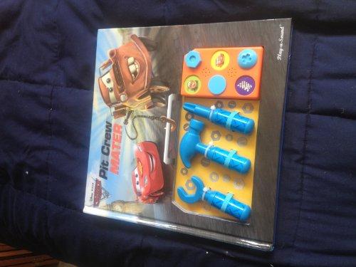 9781450820738: Pixar Cars 2: Pit Crew Mater (Tool Box and Sound Book)