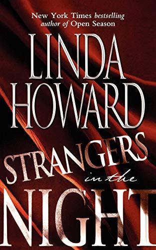 9781451628135: Strangers in the Night