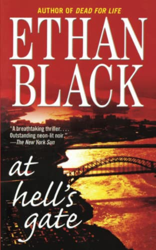 9781451631791: At Hell's Gate: A Novel (Conrad Voort)