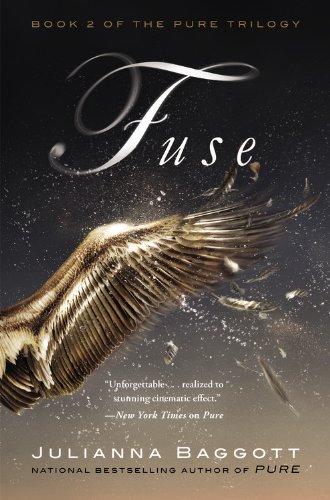 9781455521692: Fuse (Pure Trilogy)