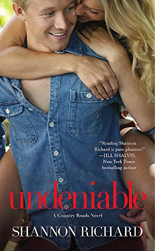 9781455544707: Undeniable (A Country Roads Novel)