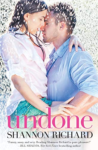 9781455547234: Undone (A Country Roads Novel)
