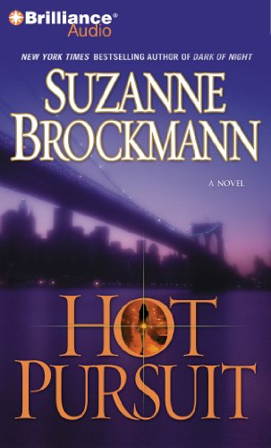 9781455800421: Hot Pursuit (Troubleshooters Series)