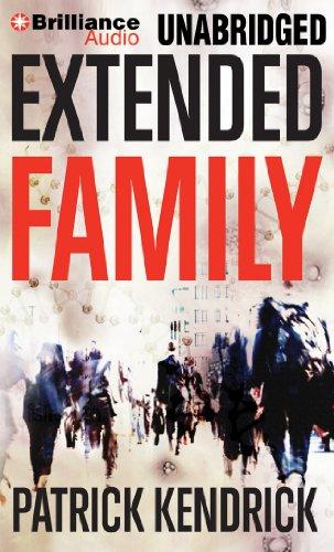 9781455896820: Extended Family