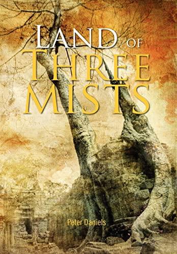 9781456892067: Land of Three Mists
