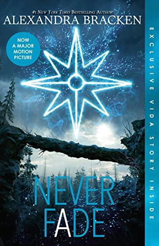 9781460755600: Never Fade (The Darkest Minds, Book 2)
