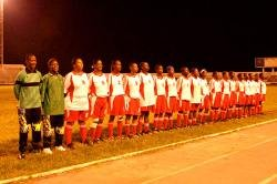 9781463111519: Zanzibar Soccer Queens - Educational Version with Public Performance Rights