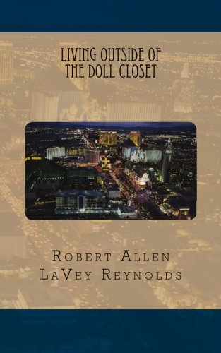 9781463564568: Living Outside of the Doll Closet