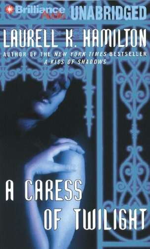 9781469273488: A Caress of Twilight (Meredith Gentry Series)