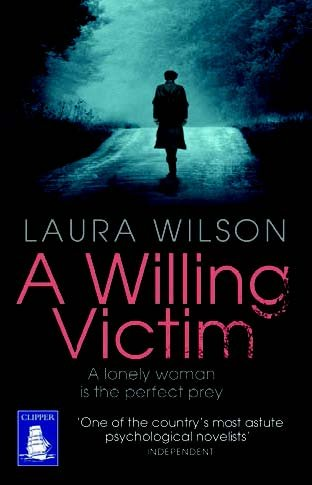 9781471236297: A Willing Victim (Large Print Edition)