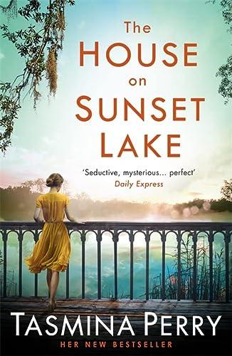 9781472208477: The house on Sunset Lake