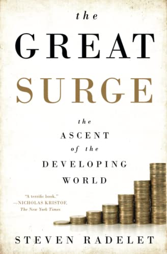 9781476764795: The Great Surge: The Ascent of the Developing World