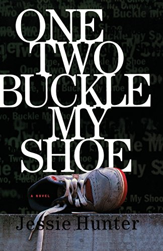 9781476799964: ONE TWO BUCKLE MY SHOE