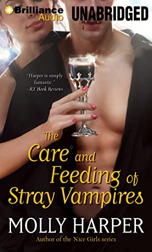 9781480563292: The Care and Feeding of Stray Vampires (Half-Moon Hollow)