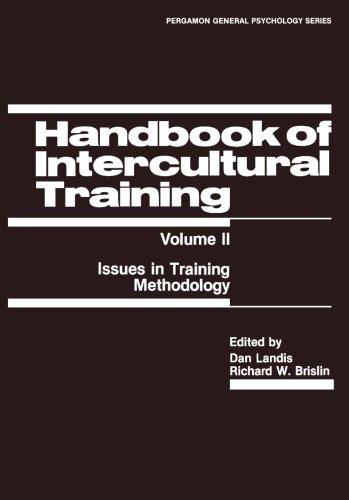 9781483125824: Handbook of Intercultural Training: Issues in Training Methodology
