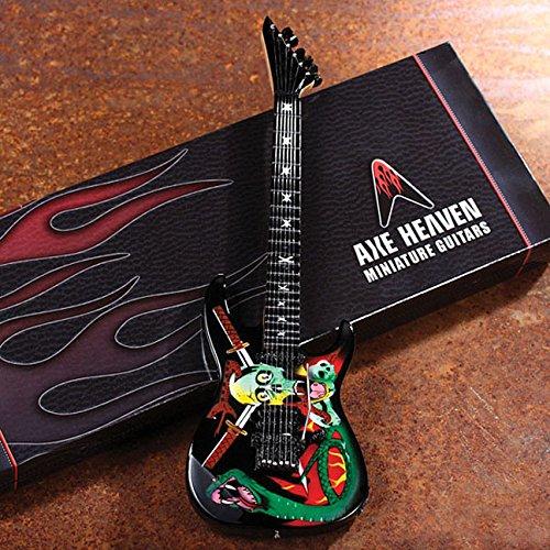 9781495066269: Axe Heaven George Lynch Skull & Snakes Mini Guitar Replica