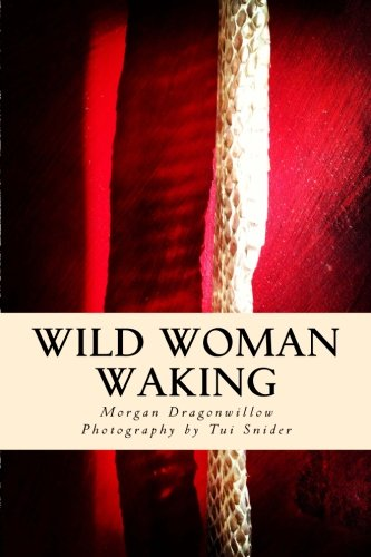 9781497306981: Wild Woman Waking