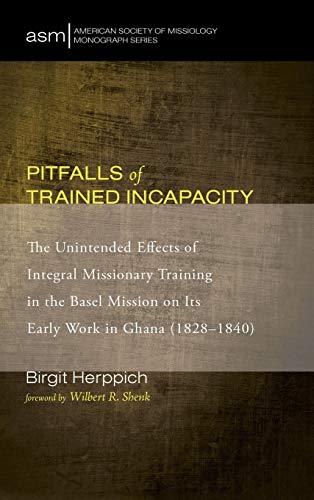 9781498229548: Pitfalls of Trained Incapacity