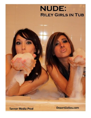 9781500236489: NUDE: Riley Girls in Tub: Adult Nude Photography: Volume 8