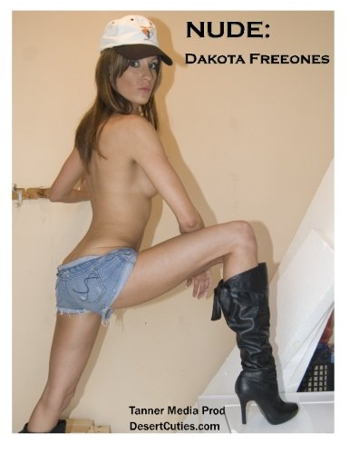 9781500237431: NUDE: Dakota Freeones: Adult Nude Photography: 9
