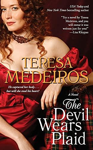 9781501128073: The Devil Wears Plaid