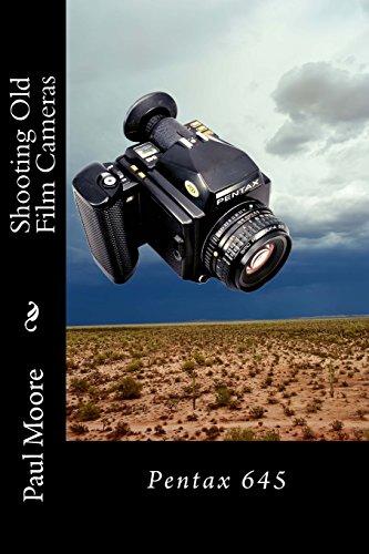 9781511924795: Shooting Old Film Cameras: Pentax 645