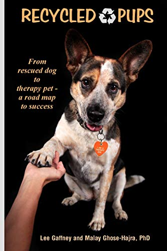 9781516990290: Recycled Pups: from rescued dog to therapy pet