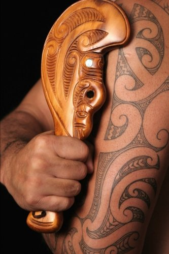 9781533223289: Maori Tamoko Tribal Tattoo with Carved Wooden Mere Club Journal: 150 page lined notebook/diary